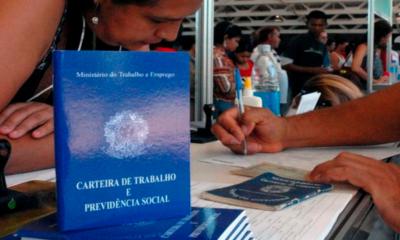 Desemprego atinge menor nível em 30 anos por conta da pandemia